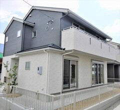 【高丘北二丁目・分譲A】開放的なリビングと豊富な収納の住宅