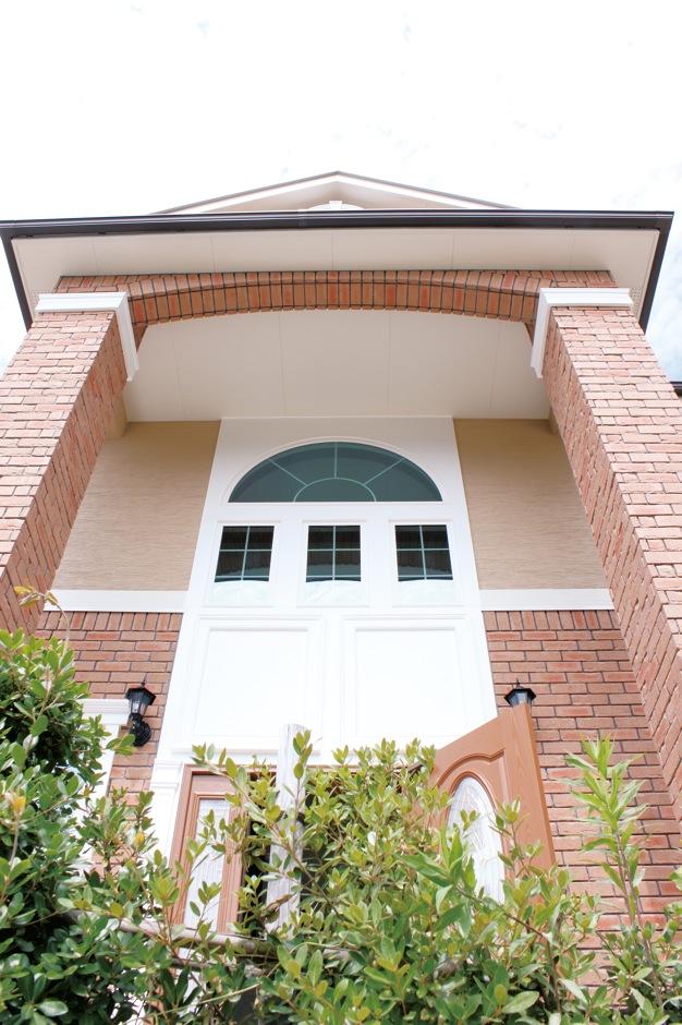 セルコホーム浜松(オバタケイ)【デザイン住宅、輸入住宅、インテリア】本格輸入住宅らしい大空間。圧倒的な玄関の存在感に息をのむ