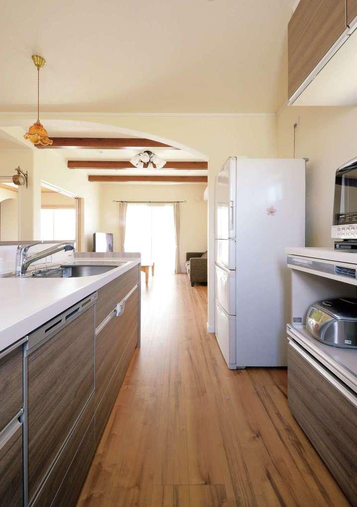 部屋全体を見渡せる対面キッチンは奥さまの希望で実現