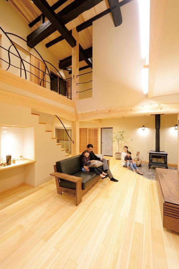 日本の伝統美を取り入れた 二世帯が心地よく過ごせる家