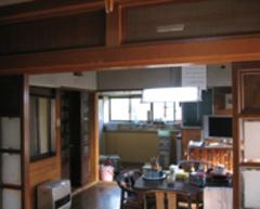 ダイニングと別れていて、作業スペースも狭かったキッチン