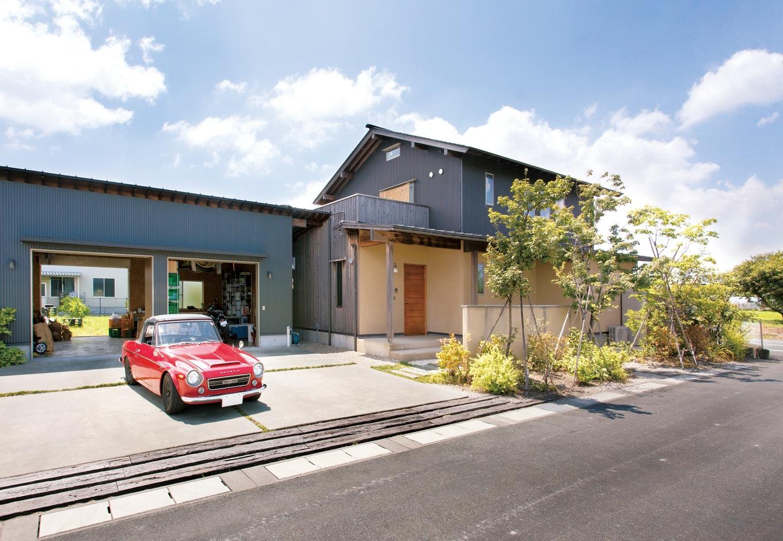 永く住んでも飽きのこない 別棟ガレージのある上質な家