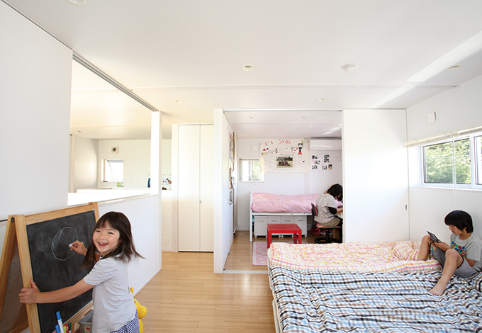 約14畳の子ども部屋は、1室でも3室でも自由に簡単に可変できる