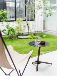 中庭を囲う「コ」の字型の平屋