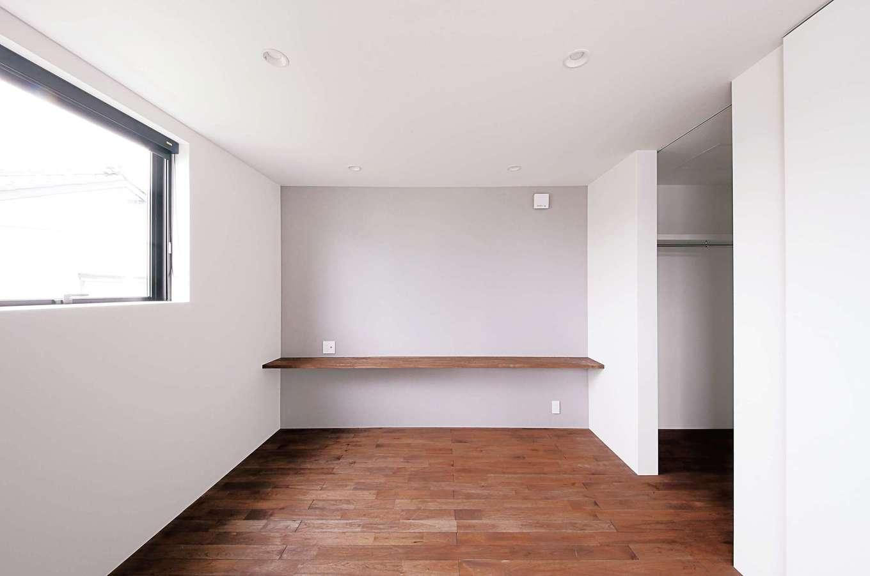 インフィルプラス【デザイン住宅、狭小住宅、間取り】オシャレが好きな奥さまのために、寝室には大容量のクローゼットを設置