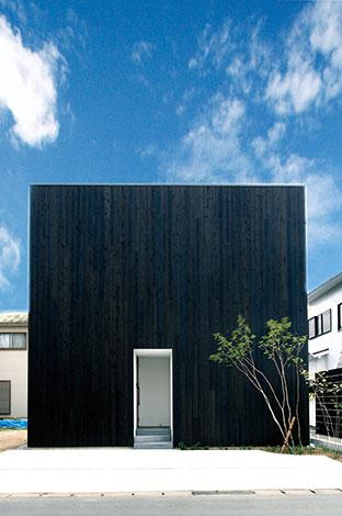 住まう人のことだけを考えた フルオーダーのデザイン住宅