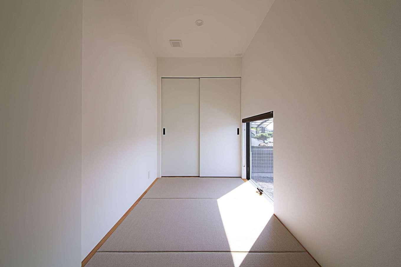 インフィルプラス【デザイン住宅、建築家、インテリア】4畳の和室は玄関のすぐ近くにあり、客間として使う際に直接ゲストを招き入れることができる