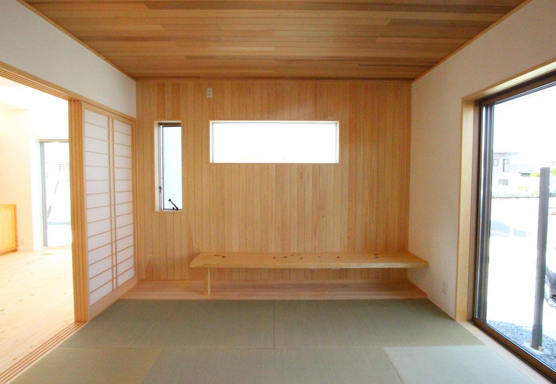 ダイニングに続く和室は、ごろり...