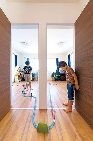子ども部屋は最初から個室。でも遊び心はたやすく壁を越えられる