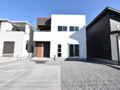 【KAWASHO分譲住宅】松本No.12:家族と顔を合わせやすいリビング階段!