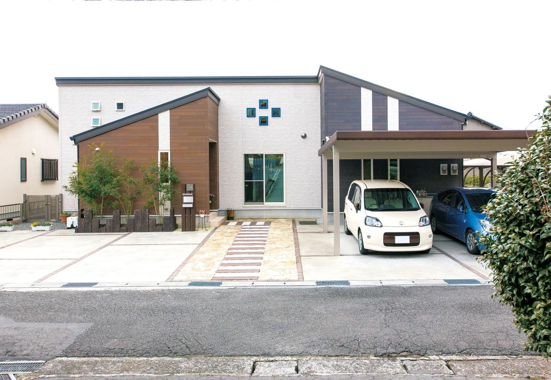 アフターホーム【1000万円台、デザイン住宅、夫婦で暮らす】重厚感のある平屋建て。道路に面して来客用の駐車スペースも確保