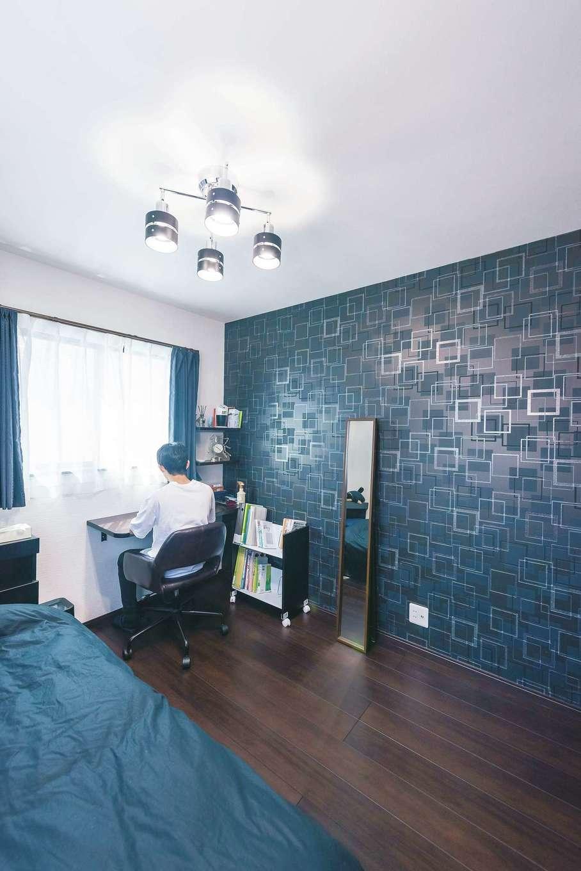 アフターホーム【デザイン住宅、間取り、インテリア】個室のクロスは各自でチョイス。照明も丁寧に吟味