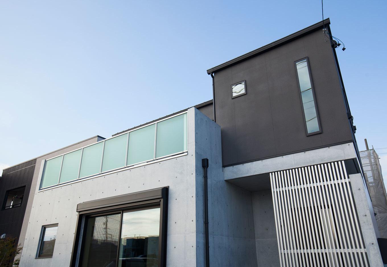 収納と耐震を考えた混構造の家