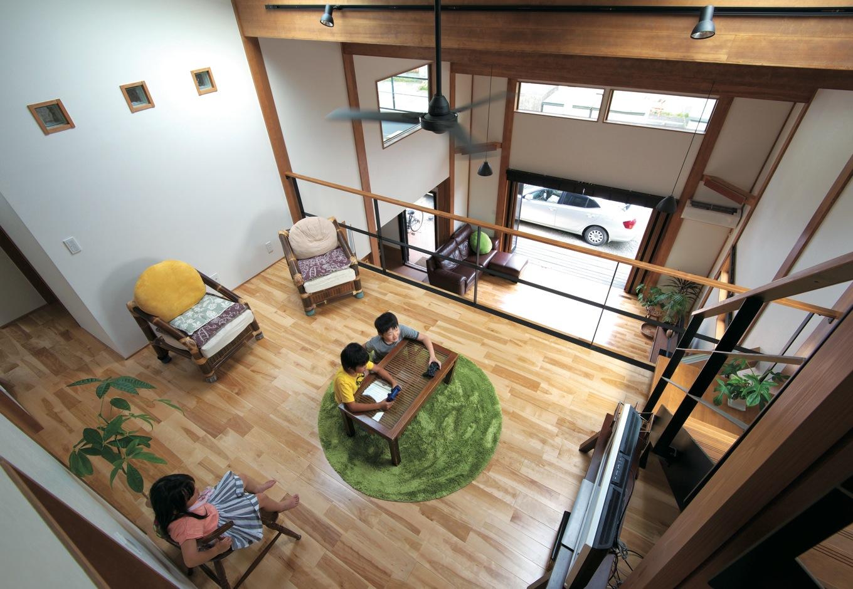西川建設~Life is Dream~【デザイン住宅、子育て、自然素材】2階フリースペースにはテレビゲームが大好きな子どもたちのためにテレビを置き「友達が大勢遊びに来るようになるといいな」と奥さま