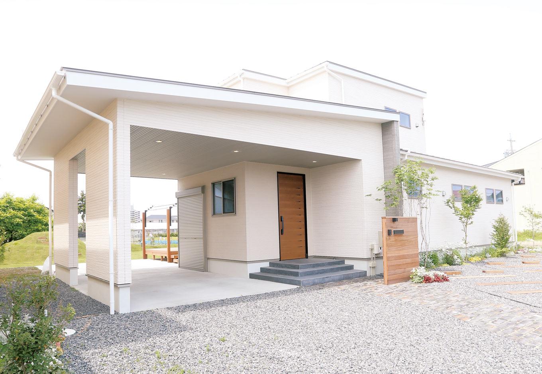 Asobi-創家(アソビスミカ)/ナカジツ【1000万円台、省エネ、建築家】広い土地を生かした平屋風のI邸。個性的だが、直線が交差するシンプルなデザインで長く愛することができる