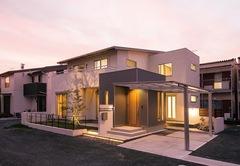 家族一緒の時間を大切にしたネイルサロン併用住宅