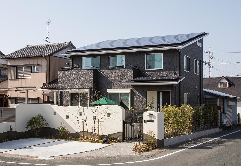 建物の屋根には12.5kWの太陽光発電を搭載