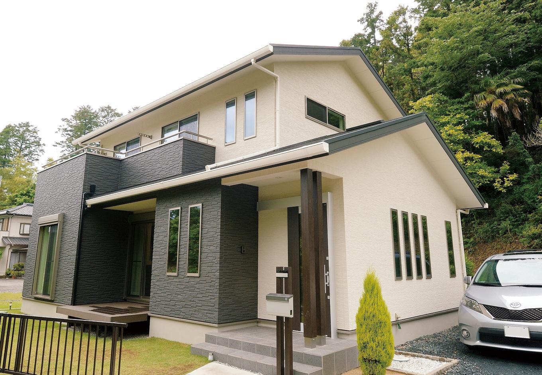 朝日住宅【デザイン住宅、間取り、インテリア】白と黒のコントラストが、モダンな和を感じさせる外観デザイン