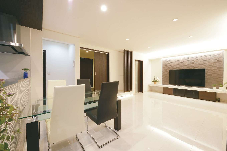 モダンシックな空間に、やさしさ溢れるもてなしの家