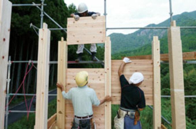日本建築伝統の「板倉造りの家」
