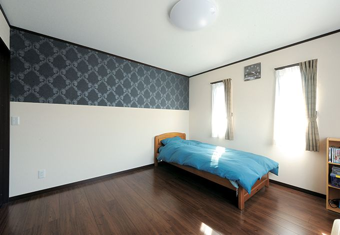 水田建設【子育て、収納力、自然素材】クロスやベッドカバーのデザイン、色を変えて居室間にアクセントを