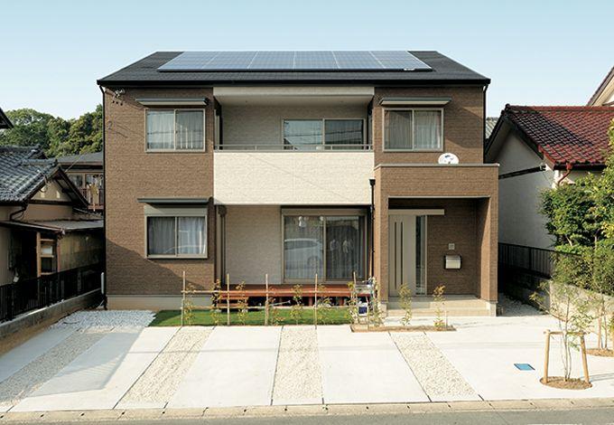水田建設【子育て、収納力、自然素材】どっしりとした安定感のある外観。太陽発電システム&HEMSでエコな暮らしを実現
