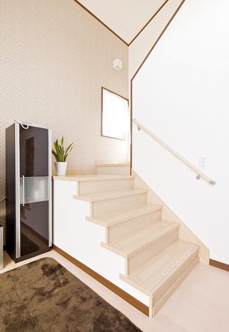水田建設【1000万円台、二世帯住宅、間取り】壁のないリビング階段で空間をより広く見せる