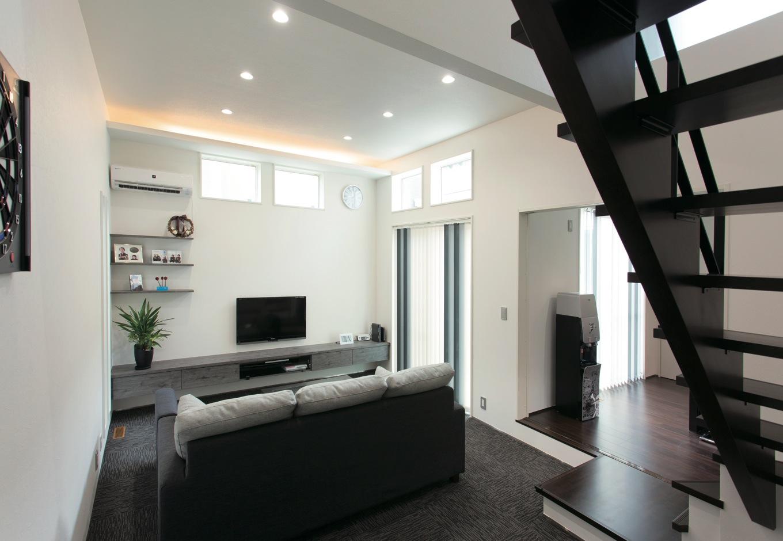 幹工務店【デザイン住宅、省エネ、間取り】TVボードはリビングに合わせて造ったオリジナルデザイン