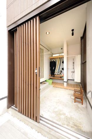 幹工務店【デザイン住宅、二世帯住宅、省エネ】納戸としても活用できるサーフィン庫