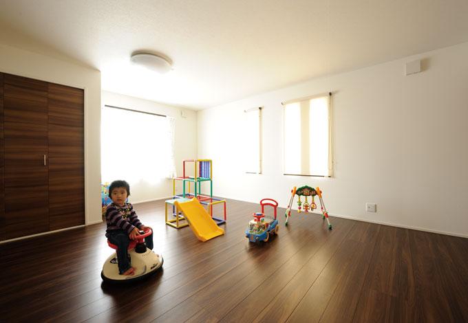 幹工務店【デザイン住宅、二世帯住宅、省エネ】成長に合わせてセパレートできる14畳の子ども部屋