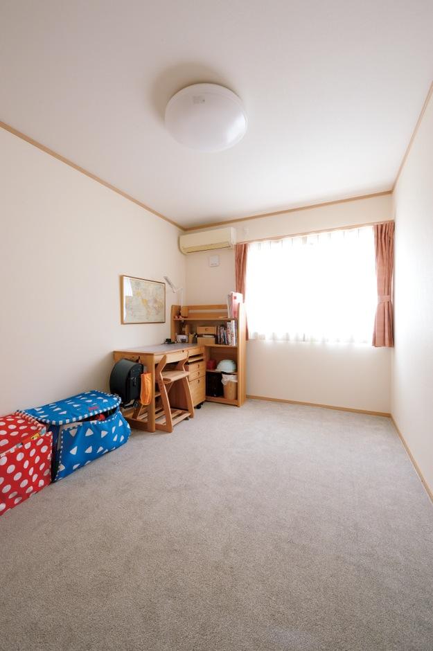 Um House(マル祐戸田建築)【子育て、収納力、平屋】2つの子ども部屋はいずれ夫婦それぞれの書斎に