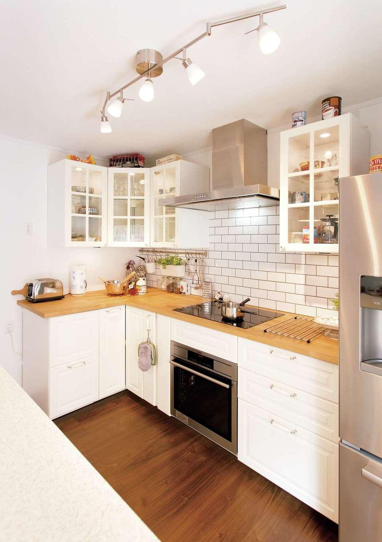 Um House(マル祐戸田建築)【デザイン住宅、趣味、インテリア】キッチンもオリジナル造作。ドイツの名門・ミーレのIHクッキングヒーターを採用