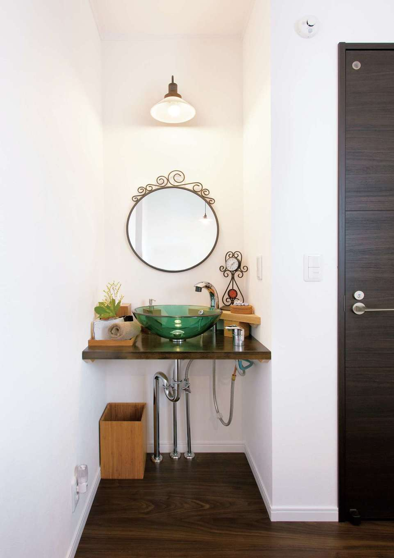 Um House(マル祐戸田建築)【デザイン住宅、趣味、インテリア】アジアンテイストの2階洗面台