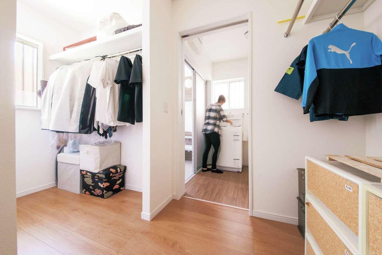 Um House(マル祐戸田建築)【間取り、ペット、平屋】ウォークスルークローゼットは、機能性とデザイン性が抜群
