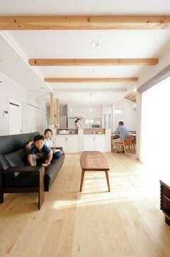 一年中Tシャツで快適に過ごせる自然素材のZEH住宅