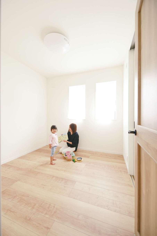 ほっと住まいる【子育て、自然素材、間取り】子ども部屋は明るく、ナチュラルな雰囲気で