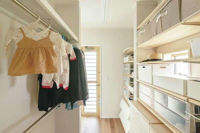 ほっと住まいる|浴室、洗面から一続きになるクローゼット。家族全員の衣類がここに