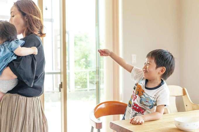 ほっと住まいる|「はい、あげる!」とお菓子をくれた長男くん。優しく成長するのが楽しみだ