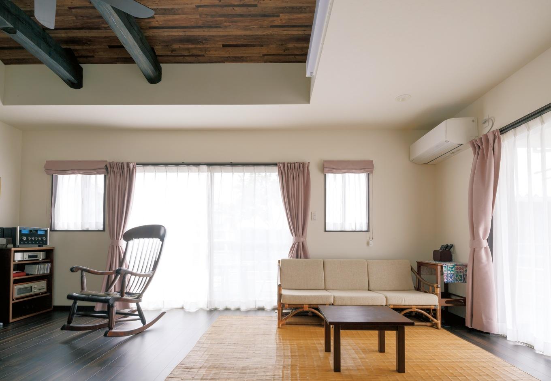 ほっと住まいる|夫婦2人が暮らすのにちょうどいいサイズのリビング。床暖房付きで、冬はほんのり暖かい