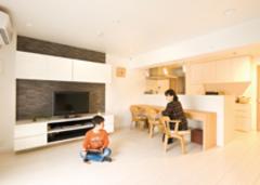 3世代に使い勝手のいい 明るくシンプルな家