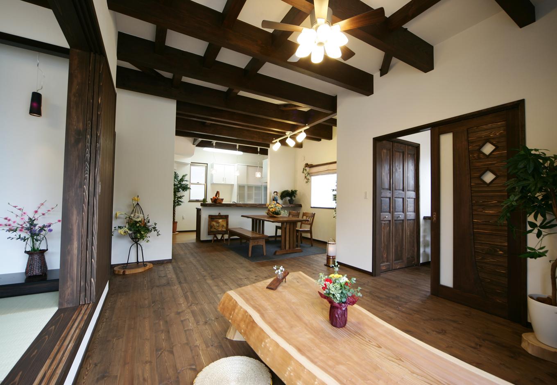 心癒されるアジアンテイスト「バリ風」の家