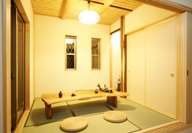 住まいるコーポレーション【収納力、和風、自然素材】小上がりの畳コーナーは、『住まいるコーポレーション』の厳選素材と熟練の技を生かした本格的な純和風