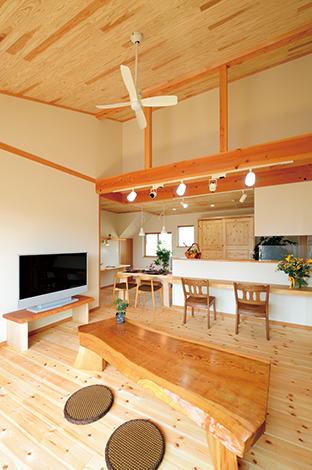 百年以上安心の暮らしを提供 天然素材の二世帯住宅
