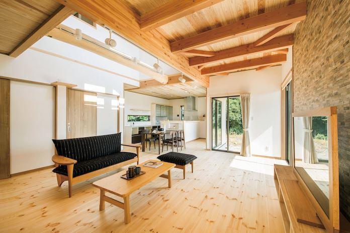 無垢と珪藻土の家で 自然とふれあう暮らしを満喫