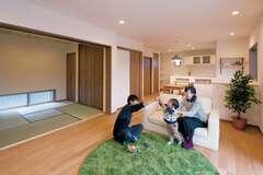 木が香る心地いい家で、子どもと一緒にのびのび遊ぼう!