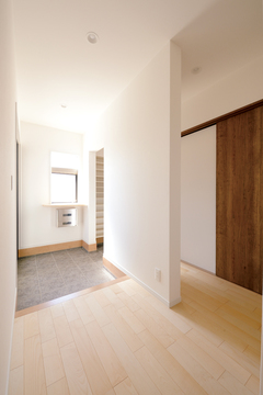 作り手の心が伝わってくるシンプルで暮らしやすい家