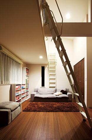 幸和ハウジング【デザイン住宅、収納力、平屋】子ども部屋には、外観からは想像もつかない伸びやかな空間が広がる。1階にあるので、お子さまたちが独立したあとも趣味の部屋などに利用しやすい