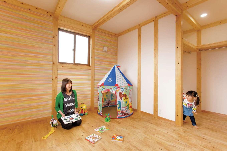 サイエンスホーム【1000万円台、子育て、自然素材】お片づけする習慣が自然に身につくよう、子ども部屋にも大きめの収納スペースを確保した