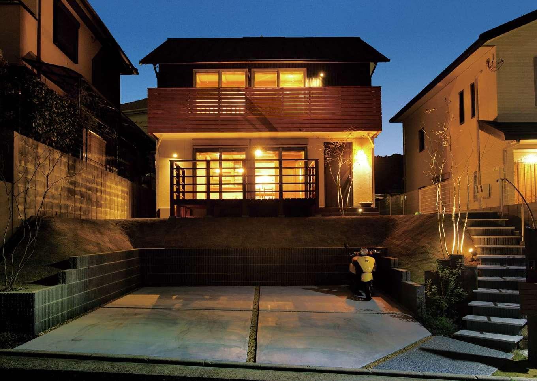 サイエンスホーム【デザイン住宅、自然素材、省エネ】仕事から帰って来るたびにホッとするシンプルモダンの外観