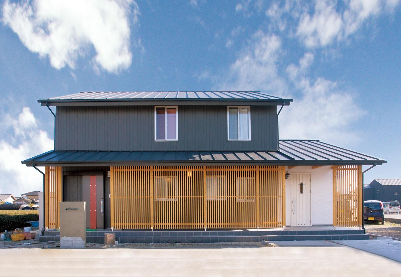 サイエンスホーム【デザイン住宅、和風、自然素材】建物をヒノキの格子で覆うメイクアップウッドがおしゃれ
